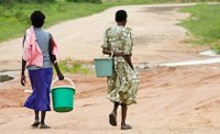 africanwomenfetchingwater