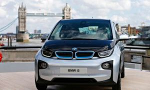 BMW's i3 electric car, seen with Tower Bridge behind.